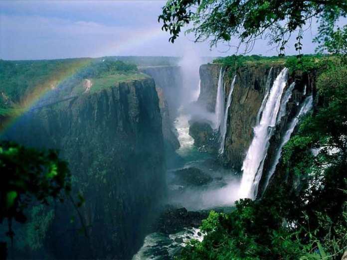 Victoria-Falls22