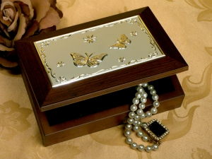 Wooden-jewelry-box-with-embossed-silver-plated-butterflies-design_6508_r