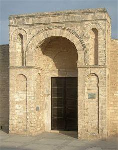 473px-Porte_Grande_Mosquée_El_Mehdi_Mahdia