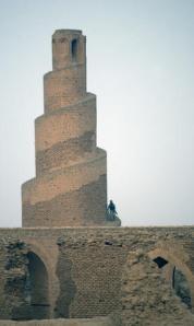 Spiral_minaret_at_Abu_Dulaf