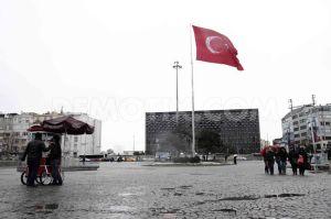 1392494289-heavy-rain-in-istanbul_3938465