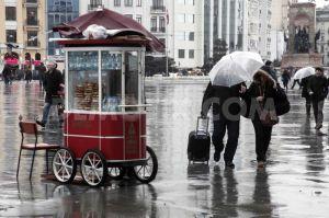 1392494293-heavy-rain-in-istanbul_3938477