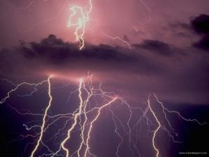 thunderbolt___id_32988__premium-800x600