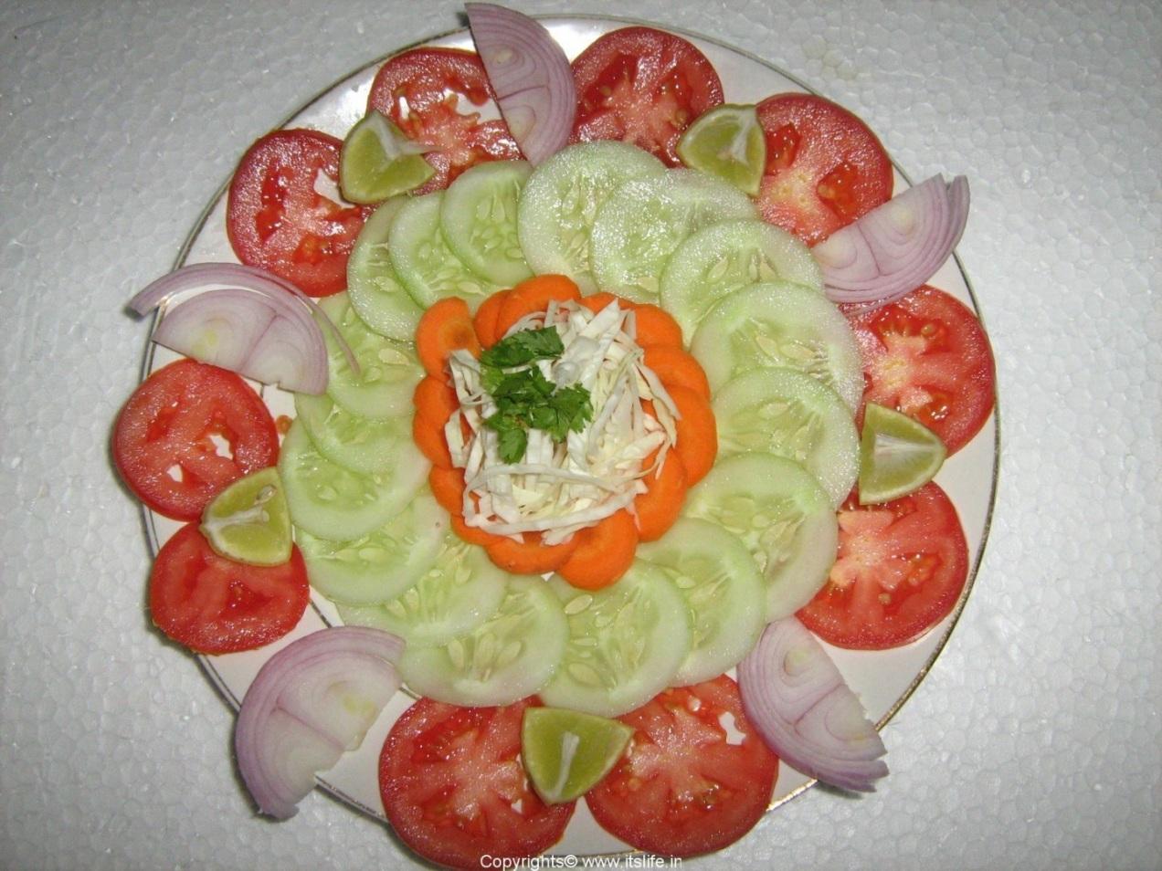 Recipe raitha salad salad platter vegetable salad for Decoration salade